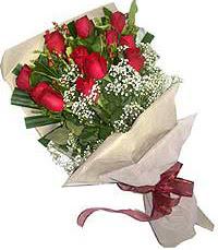 11 adet kirmizi güllerden özel buket  Tunceli çiçek satışı
