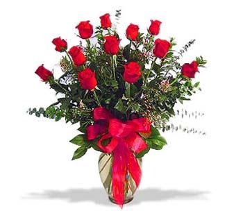 çiçek siparisi 11 adet kirmizi gül cam vazo  Tunceli ucuz çiçek gönder