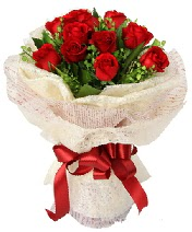 12 adet kırmızı gül buketi  Tunceli çiçekçiler