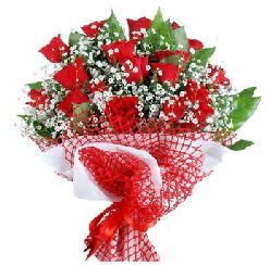 11 kırmızı gülden buket  Tunceli internetten çiçek satışı