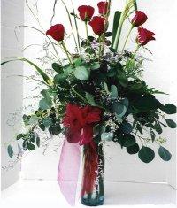Tunceli çiçek yolla  7 adet gül özel bir tanzim