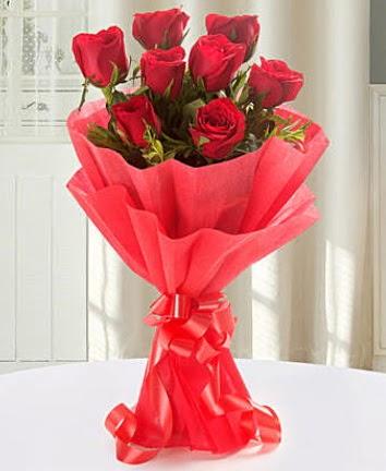 9 adet kırmızı gülden modern buket  Tunceli çiçek online çiçek siparişi