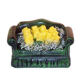 Seramik koltuk 12 sari gül   Tunceli çiçek yolla , çiçek gönder , çiçekçi