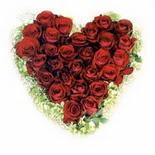 kalp biçiminde 15 gülden   Tunceli uluslararası çiçek gönderme