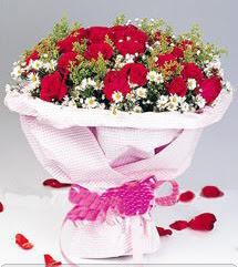 Tunceli çiçek gönderme  12 ADET KIRMIZI GÜL BUKETI