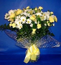 Tunceli İnternetten çiçek siparişi  sade mevsim demeti buketi sade ve özel