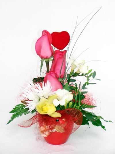 Tunceli çiçek yolla , çiçek gönder , çiçekçi   cam içerisinde 3 adet gül ve kir çiçekleri