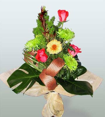 Tunceli çiçek yolla , çiçek gönder , çiçekçi   3 adet gül 4 adet gerbera çiçegi sade buket