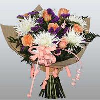 güller ve kir çiçekleri demeti   Tunceli çiçekçi telefonları