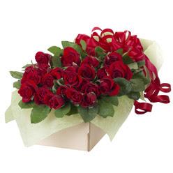 19 adet kirmizi gül buketi  Tunceli uluslararası çiçek gönderme