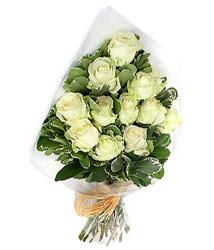 Tunceli anneler günü çiçek yolla  12 li beyaz gül buketi.