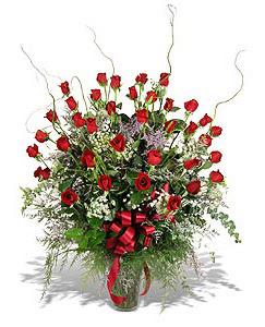 Tunceli çiçek yolla  33 adet kirmizi gül vazo içerisinde