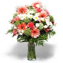 Tunceli çiçekçi telefonları  cam yada mika vazo içerisinde karisik demet çiçegi
