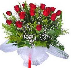 Tunceli yurtiçi ve yurtdışı çiçek siparişi  12 adet kirmizi gül buketi esssiz görsellik