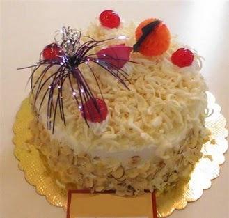 pasta siparisi 4 ile 6 kisilik yaspasta mis lezzette  Tunceli güvenli kaliteli hızlı çiçek