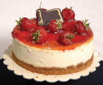 online pastaci 4 ile 6 kisilik yas pasta çilekli  Tunceli çiçek yolla