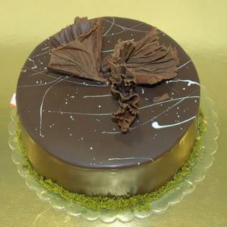 pastaci ustamizdan 4 ile 6 kisilik fistikli çikolatali yaspasta  Tunceli online çiçek gönderme sipariş