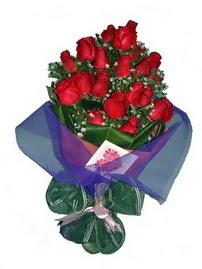 12 adet kirmizi gül buketi  Tunceli ucuz çiçek gönder