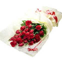 Çiçek gönderme 13 adet kirmizi gül buketi  Tunceli yurtiçi ve yurtdışı çiçek siparişi
