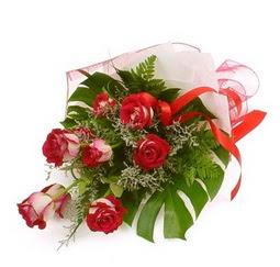 Çiçek gönder 9 adet kirmizi gül buketi  Tunceli çiçek , çiçekçi , çiçekçilik