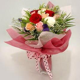 Karisik renklerde 11 adet gül buketi  Tunceli kaliteli taze ve ucuz çiçekler