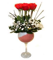 Tunceli çiçekçi telefonları  cam kadeh içinde 7 adet kirmizi gül çiçek