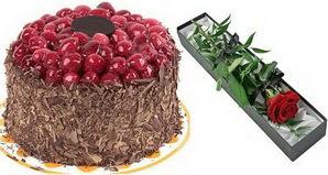 1 adet yas pasta ve 1 adet kutu gül  Tunceli çiçek siparişi sitesi