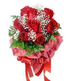 9 adet en kaliteli gülden kirmizi buket  Tunceli online çiçek gönderme sipariş
