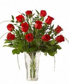 cam yada mika vazo içerisinde 9 kirmizi gül  Tunceli çiçek yolla