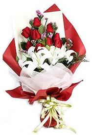 Tunceli İnternetten çiçek siparişi  9 adet gül 2 adet kazablanka buketi
