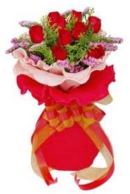 Tunceli çiçekçi mağazası  8 Adet kirmizi güllerden buket tanzimi