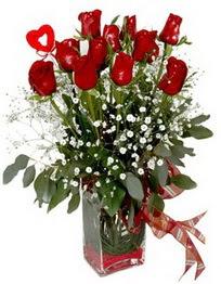 Tunceli çiçek , çiçekçi , çiçekçilik  9 adet mika yada cam vazoda gül tanzimi kalp çubuk