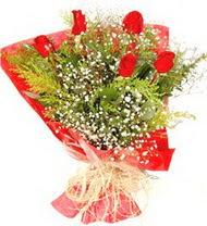 Tunceli çiçekçiler  5 adet kirmizi gül buketi demeti