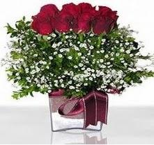 Tunceli çiçek gönderme  mika yada cam vazo içerisinde 7 adet gül
