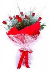 Tunceli çiçek online çiçek siparişi  9 adet kirmizi gül buketi demeti