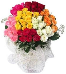 Tunceli güvenli kaliteli hızlı çiçek  51 adet farklı renklerde gül buketi