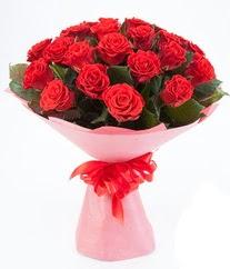 15 adet kırmızı gülden buket tanzimi  Tunceli çiçek yolla