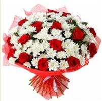 11 adet kırmızı gül ve beyaz kır çiçeği  Tunceli çiçek gönderme