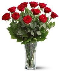 11 adet kırmızı gül vazoda  Tunceli çiçek satışı