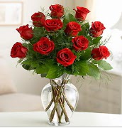 Vazo içerisinde 12 kırmızı gül  Tunceli yurtiçi ve yurtdışı çiçek siparişi