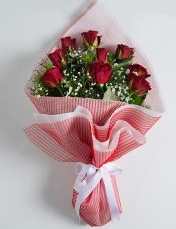 9 adet kırmızı gülden buket  Tunceli yurtiçi ve yurtdışı çiçek siparişi