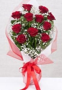 11 kırmızı gülden buket çiçeği  Tunceli internetten çiçek satışı
