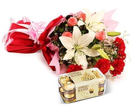 Karışık buket ve kutu çikolata  Tunceli online çiçekçi , çiçek siparişi