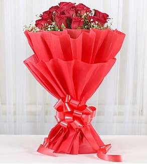 12 adet kırmızı gül buketi  Tunceli İnternetten çiçek siparişi