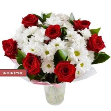 7 kırmızı gül ve 1 demet krizantem  Tunceli çiçek servisi , çiçekçi adresleri